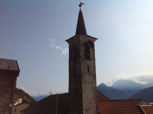 blick-vom-rustico-in-den-kirchturm-von-san-martino